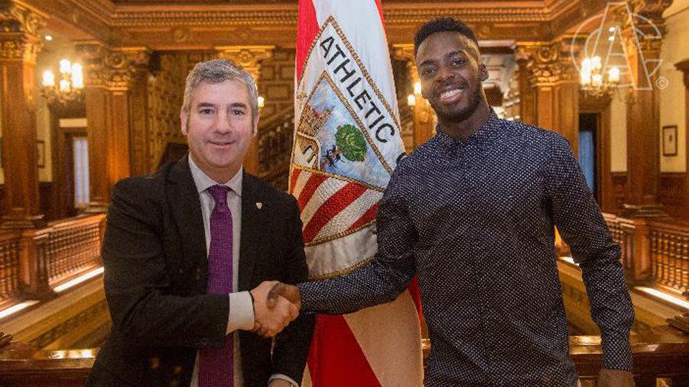 Iñaki Williams renueva con el Athletic