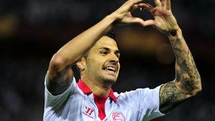 Vitolo celebra su gol ante el Oporto en 2014.