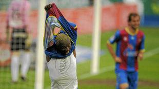 Aoruna Koné celebra un gol en su etapa del Levante.