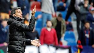 Muñiz hace un gesto durante un partido del Levante en el Ciutat de...