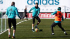 Cristiano Ronaldo, Benzema e Isco, durante el entrenamiento en...