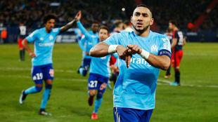 Poyet celebrando el primer gol del partido.