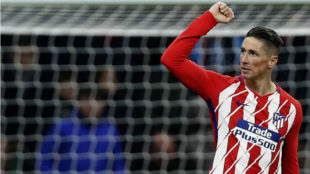 Fernando Torres celebra un gol.