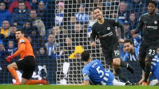 Hazard celebra su gol al Brighton.