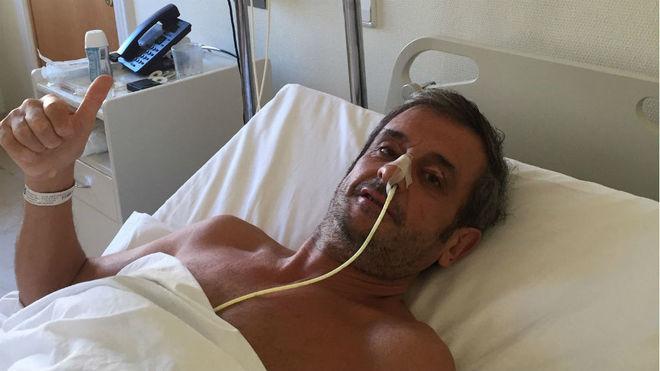 Luis Moya, en el hospital en La Coruña.
