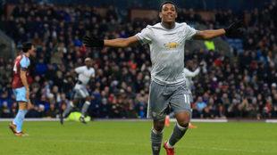 Martial celebra su gol al Burnley.