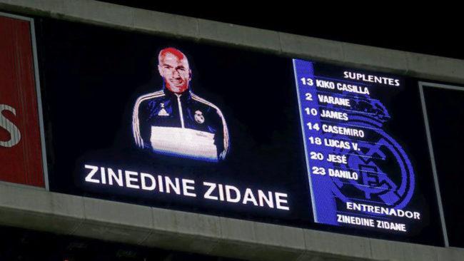 Imagen del videomarcador del día que Zidane debutó como entrenador...