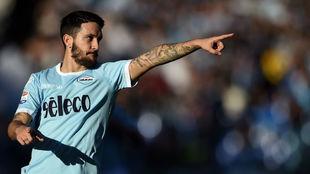 Luis Alberto celebra su gol contra el Chievo.