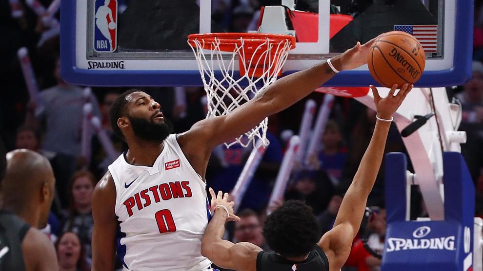 Drummond tapona a un jugador de los Nets