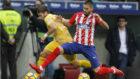 Carrasco arrebata una pelota a Portu durante el encuentro del sábado