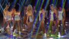 Las Lakers Girls en plena actuación