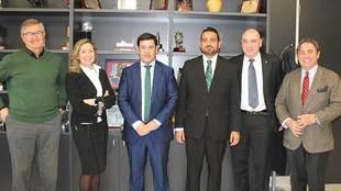 Los miembros del nuevo Consejo de administración del club...
