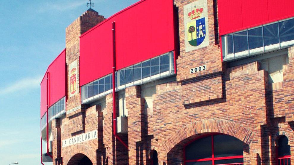 Imagen de la fachada principal de la plaza de toros de La Candelaria...