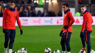 Mbappé, Neymar y Verratti, en un entrenamiento del PSG.