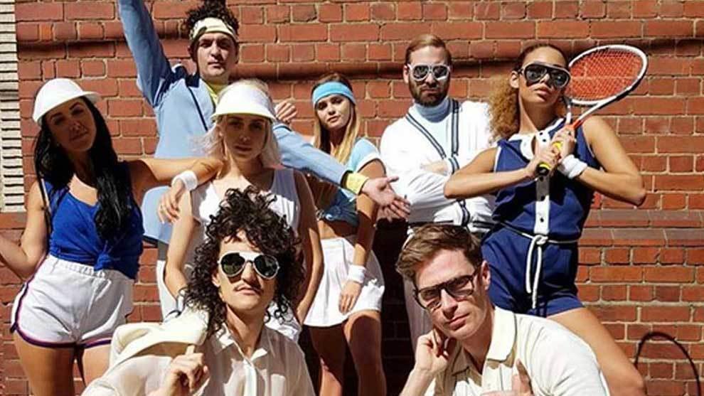 Los coloridos Client Liaison, grupo musical que se define como...