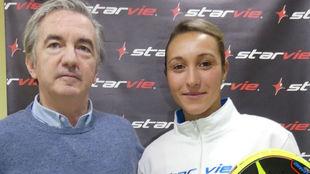 Jessica Ginier posa junto a Jorge Gómez, director general de StarVie.