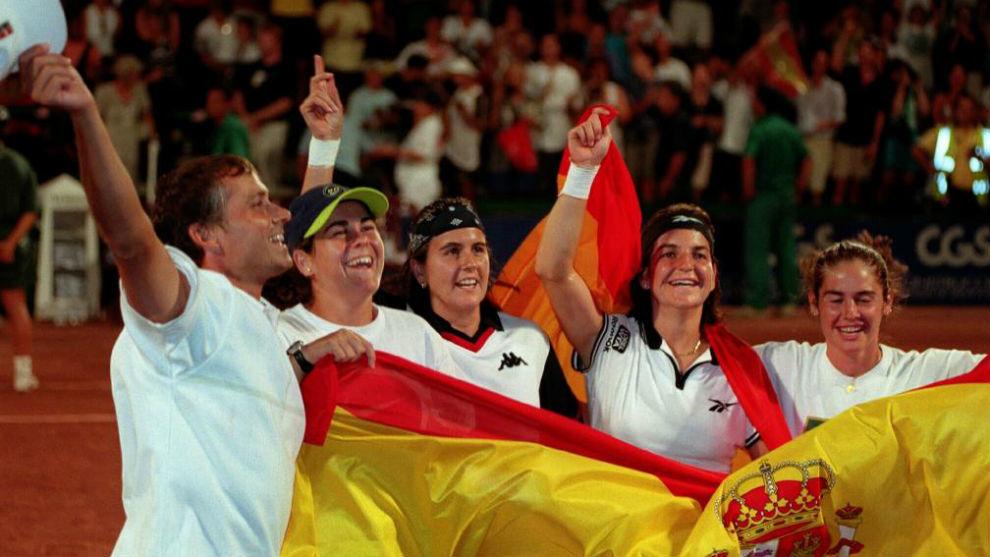 Arantxa, celebrando el título de la Fed Cup de 1998