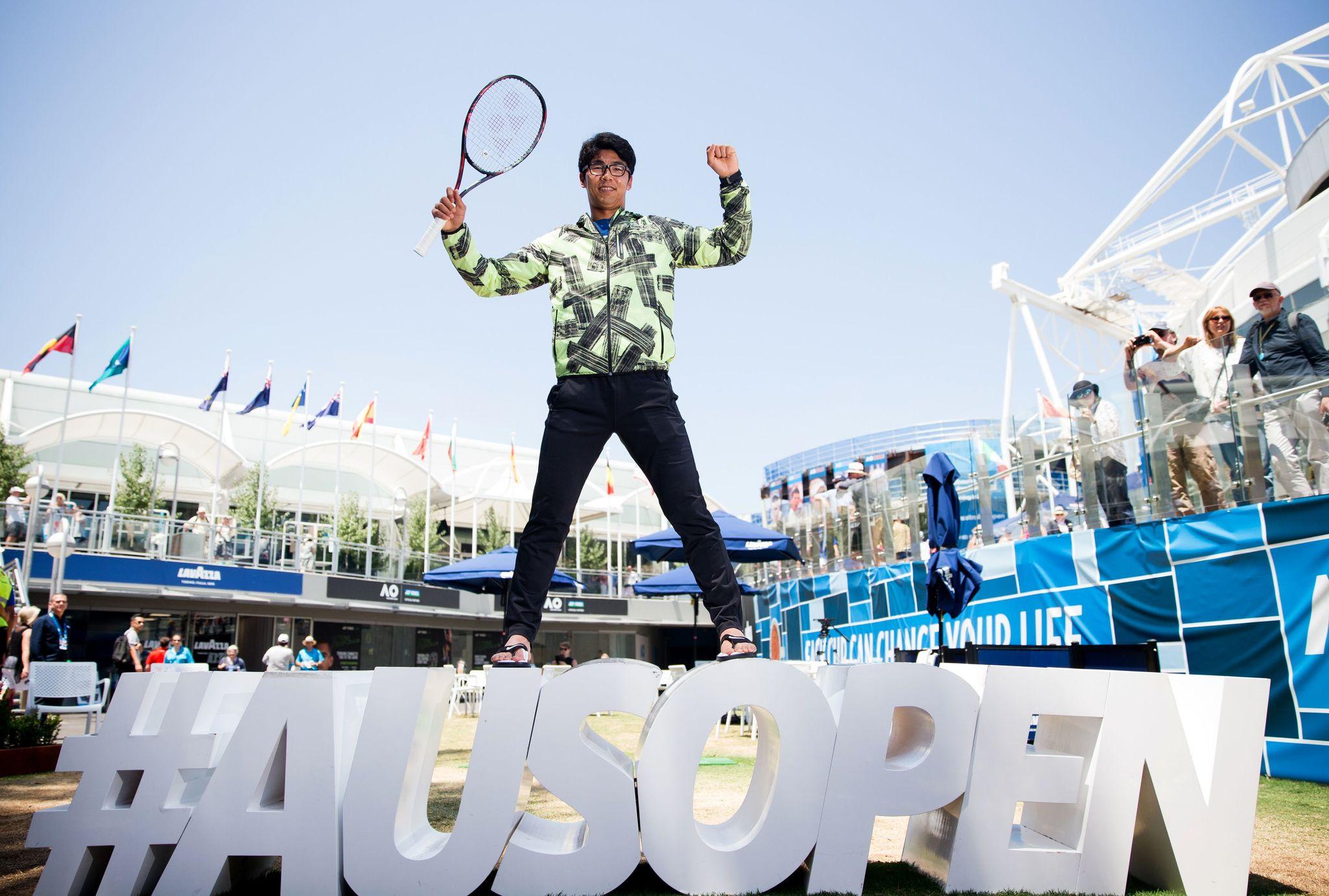 Chung Hyeon posando en el Square Garden de Melbourne durante el Open...