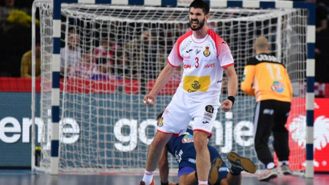 Gurbindo celebra uno de los goles que marcó en la semifinal