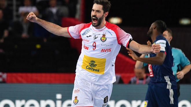 Raúl Enterríos celebra un gol ante Francia en las semifinales del...