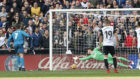 Cristiano Ronaldo, en el segundo penalti lanzado ante el Valencia.