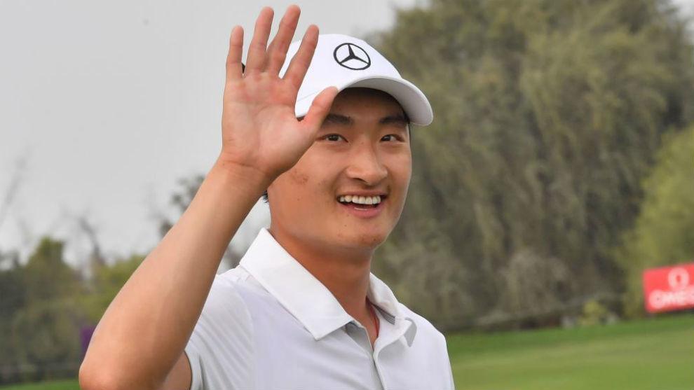 Haotong Li celebra su triunfo en Dubái.