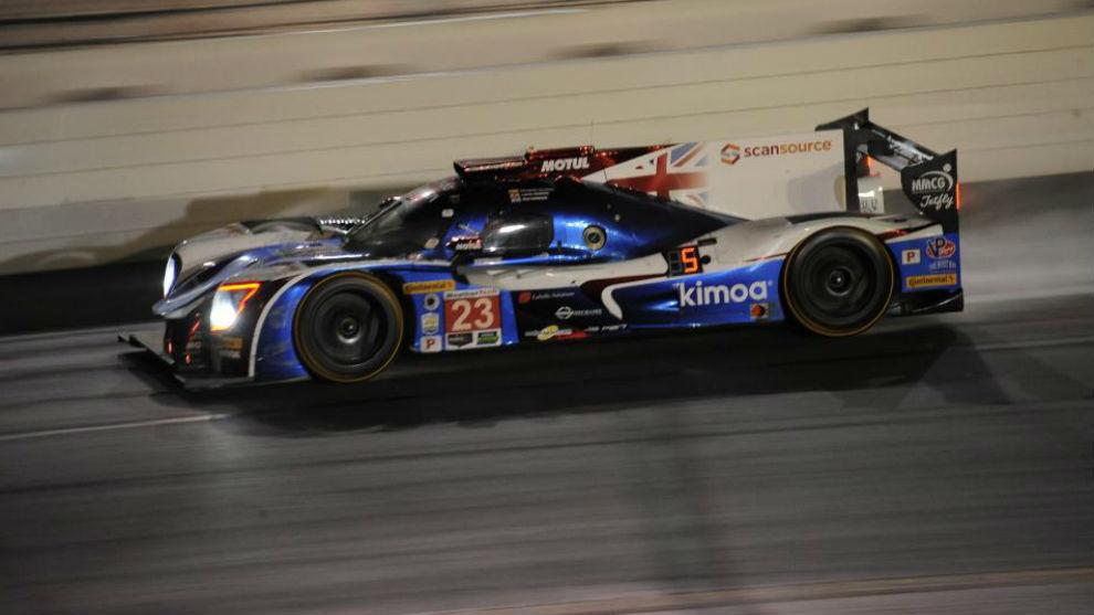 Alonso, en uno de sus relevos nocturnos donde siempre remontó con su...