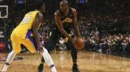 Los dobles dígitos de Ibaka y un héroe inesperado, tumban a los Lakers