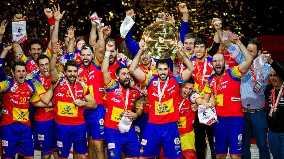 La selección española levanta el título del europeo