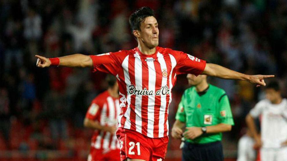 Fran Sandaza celebrando un gol con el Girona