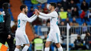 Isco y Asensio, durante un partido con el Madrid