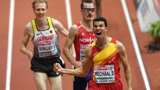 Adel Mechaal celebra su victoria en los 3.000 metros del Europeo de...