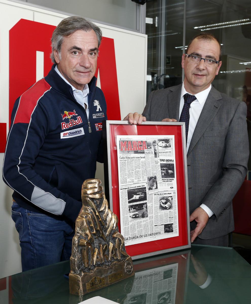 Carlos Sainz junto a Juan Ignacio Gallardo, Director de MARCA