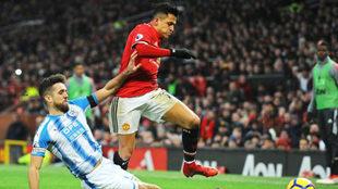 Alexis Sánchez, ante el Huddersfield.