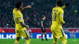 Alves y Neymar se marcaron un baile tras el tanto del segundo.