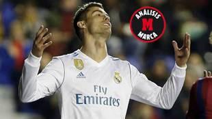 Ronaldo se lamenta durante el partido ante el Levante.