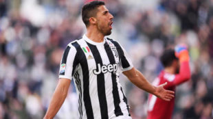 Khedira celebra uno de sus dos goles al Sassuolo.