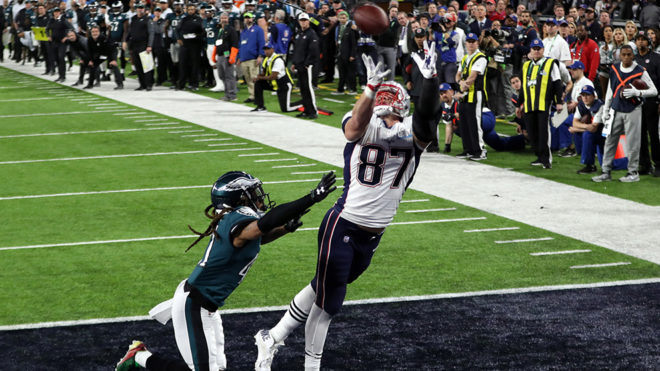 ¡Gronk lo vuelve a hacer!