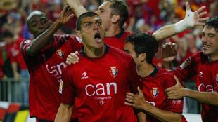 Aloisi celebra el gol del empate ante el Betis en la final de 2005.