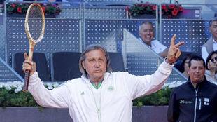 Ilie Nastase durante una exhibición en el Mutua Madrid Open.