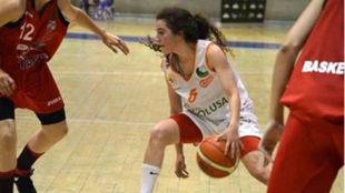 Andrea Alcántara, en un partido con el Aros León.