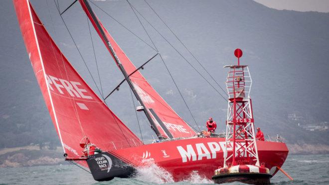 El MAPFRE, a la salida de Hong Kong rumbo a Auckland