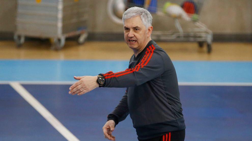 José Venancio López durante un entrenamiento de la selección...