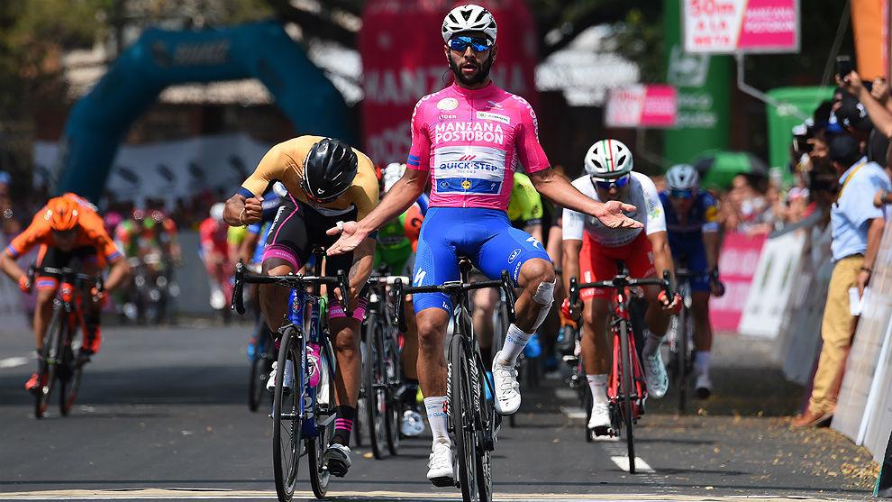 Gaviria celebra y Molano se lamenta en la llegada de la segunda etapa...