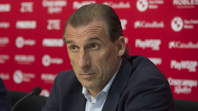 Óscar Arias, en una rueda de prensa reciente.