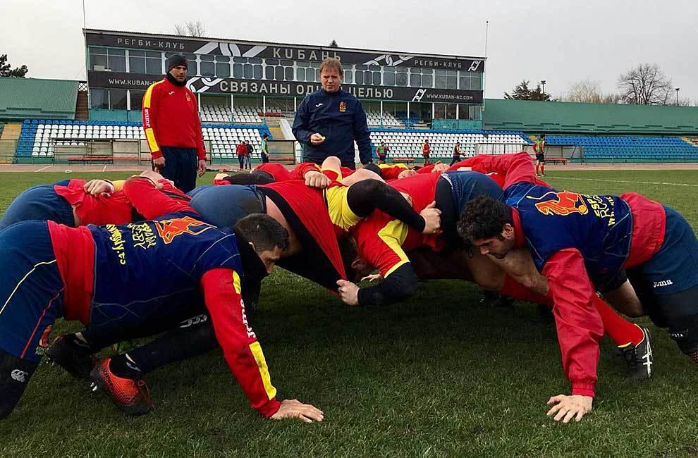 La selección española, con Santiago Santos al frente, ya se entrena...