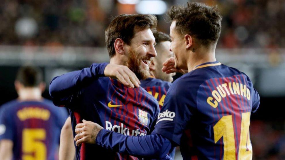 Coutinho celebra con Messi su primer gol con la camiseta del Barça