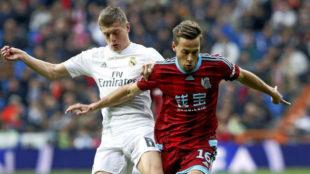 Canales, ante Kroos, en el Real Madrid-Real Sociedad de la temporada...