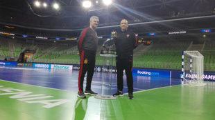 Los dos seleccionadores de los finalistas, José Venancio López y...