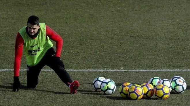 Vitolo, durante un entrenamiento del Atlético.
